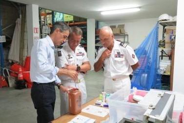 Visite du Commandant des Forces Armées dans la Zone Sud de l'Océan Indien