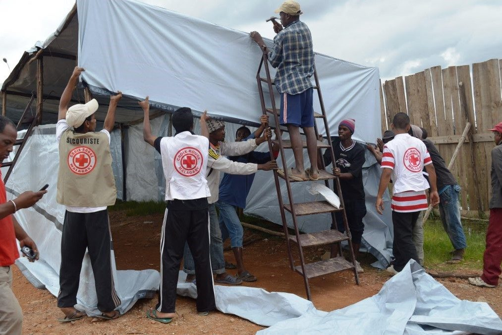 Les équipes de la Croix-Rouge mobilisées dans l'attente du passage d'Enawo
