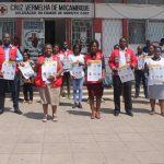 Equipe de volontaire devant les locaux de la CVM