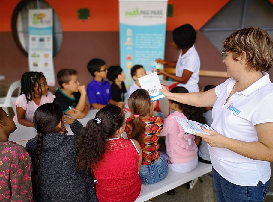 La PIROI réalise un guide méthodologique dédié à l'éducation aux risques de catastrophes dans les PEID